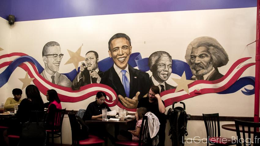 portrait de Barack Obama et autres leaders afro américains dans un restaurant de Harlem
