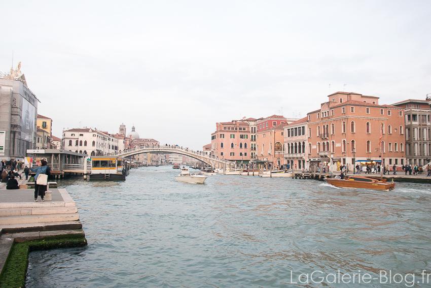 Grand canal et pont a venise