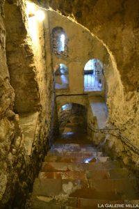 fenetre dans les escaliers de la mina