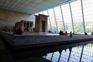 temple egyptien dans un musée à newyork