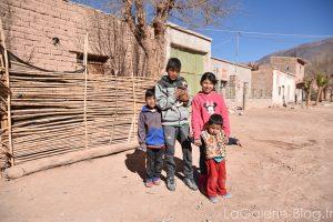 enfants à Maimara - Argentine