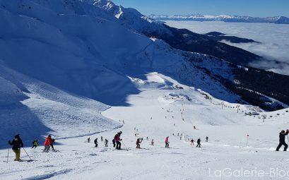 skieurs sur la piste des 7 laux